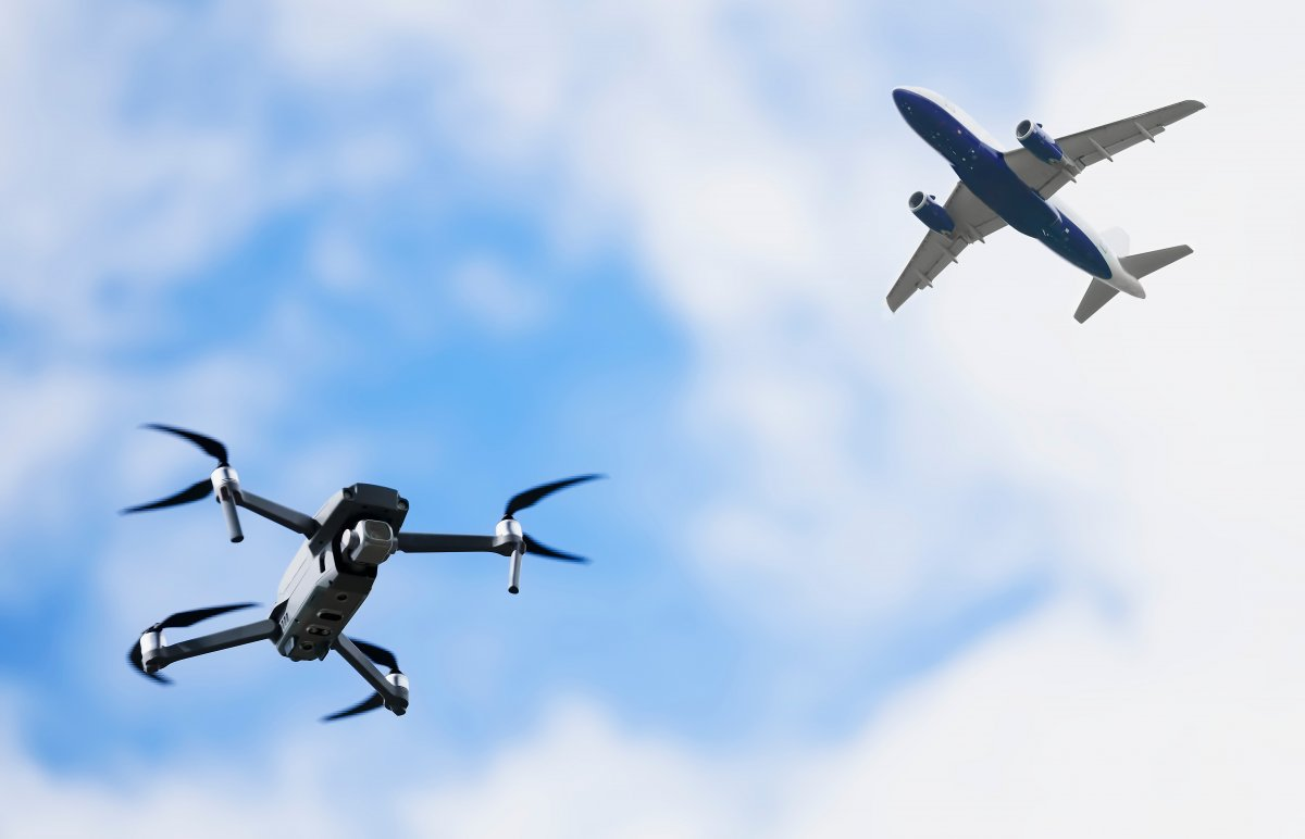 https://coreheli.com/wp-content/uploads/2021/07/1626333486_Port-of-Hamburg-becomes-the-first-test-field-for-drone.jpeg