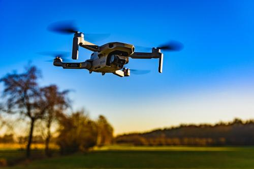 https://coreheli.com/wp-content/uploads/2021/07/Drone-Unmanned-Aircraft-Systems-UAS-technology-flight-FAA-airspace_0.jpg